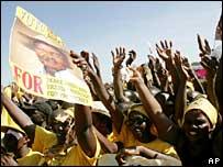 Supporters of President Yoweri Museveni