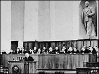 Никита Хрущев выступает на XX съезде КПСС