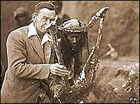 University of Liverpool handout of British archaeologist Sir Leonard Woolley with  the harp