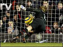 Roy Carroll and the goal that never was