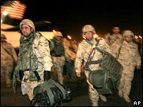 Bulgarian troops return from Iraq, December 2005