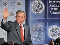 Presidente George Bush.