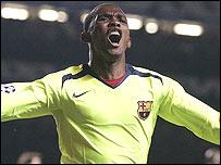 Samuel Eto'o celebrates his goal for Barcelona against Chelsea