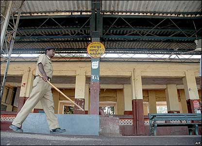 A deserted Navapur railway station