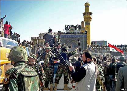 Demonstrators prevent an official convoy reaching the Samarra shrine