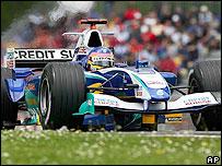 Jacques Villeneuve in action for Sauber