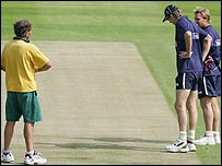 Rouse, Shane Warne and Glenn McGrath inspect the pitch on Tuesday