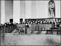Никита Хрущев выступает на ХХ съезде КПСС