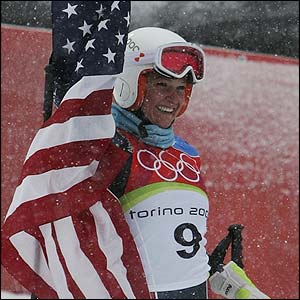 Mancuso celebrates winning gold in the women's giant slalom
