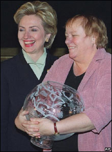 Hillary Clinton and Mo Mowlam 