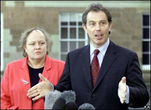 Mo Mowlam and Tony Blair in 1999