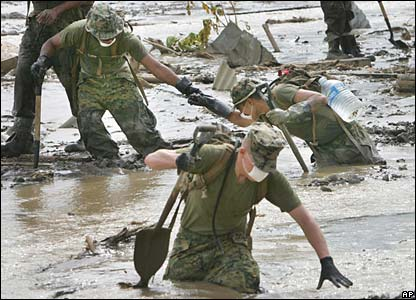 US Marines Mud Walking