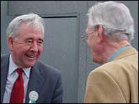 Dafydd Wigley a Dr Robyn Lewis