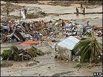 Rescue work in Guinsaugon, Philippines