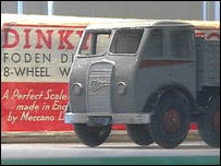 The Foden truck sold for £900
