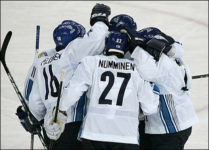 Finland book their place in the men's ice hockey final