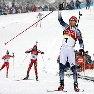 Michael Greis crosses the line in snowy San Sicario
