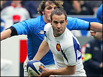 France fly-half Frederic Michalak feels the pressure in Paris