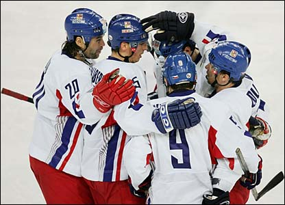 Marek Zidlicky is congratulated by his team-mates