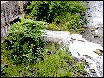 Detergent discharge from culvert on River Ebbw