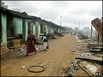Arab shops burnt out in southern Sudan