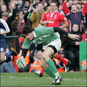 Shane Horgan scores for Ireland