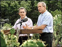 Colombia's President Uribe (left) with US President Bush at a press conference at the ranch in Crawford, Texas