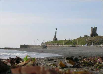 Aberystwyth Castle from South Beach (James Woolstenhulme)