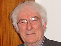 Irish author Seamus Heaney