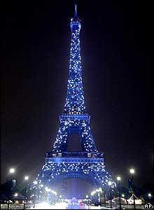 В честь дня европы эйфелева башня в