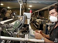 Trabajadora textil en Guatemala