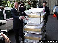 Brad Oltmanns (left) and Rick Rosas (right) of PricewaterhouseCoopers with Oscars Ballots