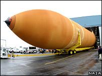 Shuttle fuel tank (Nasa)