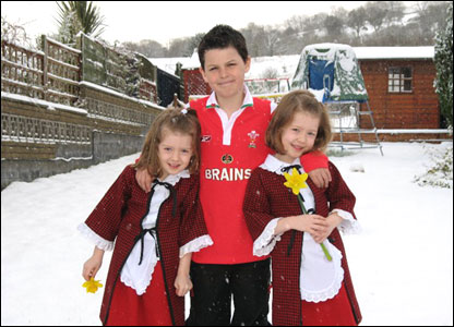 Seren, Owain, and Ffion in Cwmgors
