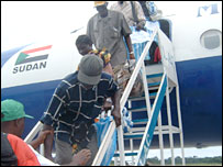 Refugees at Kisangani airport (From UNHCR)