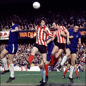Peter Osgood in action for Southampton against his old club