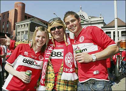 Middlesbrough supporters soak up the atmosphere in Eindhoven ahead of the match