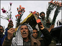 Palestinian flower growers protest at closure of Karni crossing
