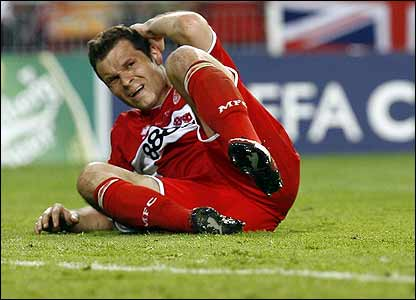 Mark Viduka shows his frustration
