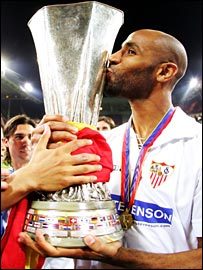 Goalscorer Fredi Kanoute celebrates Sevilla's Uefa Cup victory