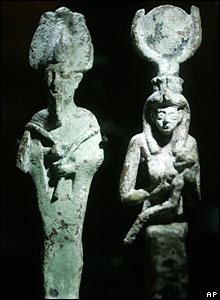 تمثالا أوزيريس وإيزيس