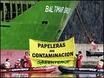 Greenpeace protest against the pulp mills