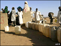 Sudanese people collecting water (AFP/Getty)