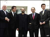 (l-r) Germany's Frank-Walter Steinmeier, France's Philippe Douste-Blazy, Iran's Ali Larijani, EU foreign policy chief Xavier Solana, Britain's John Sawers