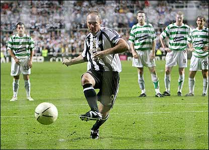 Shearer converts a last-minute penalty as Newcastle win 3-2