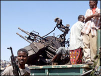 Somali militia with weapons
