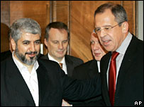 Khaled Meshaal (l) is greeted by Sergei Lavrov (r) in Moscow