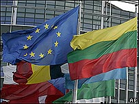 Banderas de la UE flamean en Estraburgo.