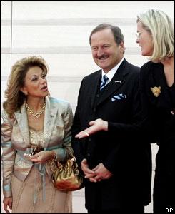Leila Rachid de Cowles, canciller paraguaya, tambi�n junto a su hom�loga austriaca.