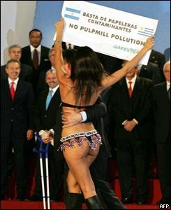 Joven protesta en la Cumbre.